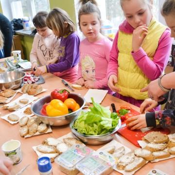 Dietetyka Smyka na warsztatach kulinarnych w Łupawie