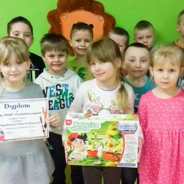 Przedszkolaki z Łupawy nagrodzone w palmowym konkursie