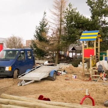 Powstaje plac zabaw przy Przedszkolu w Potęgowie