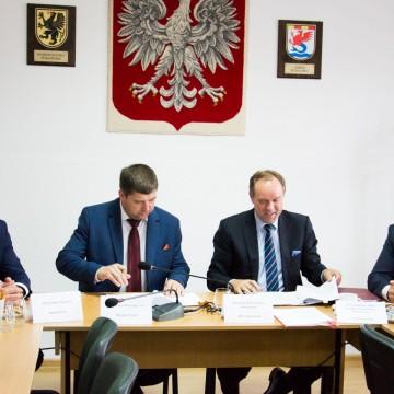 W Potęgowie podpisano umowy na projekty warte 36 mln złotych