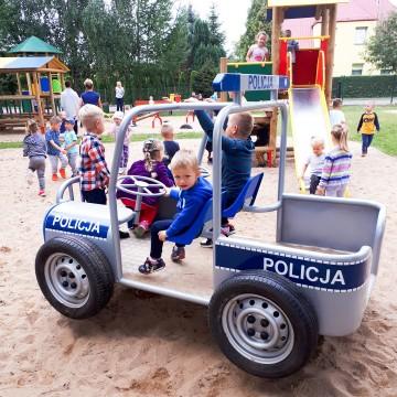 Nowy plac zabaw i scena letnia w Potęgowie