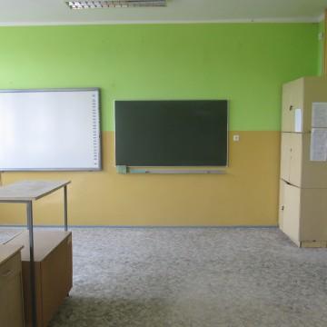 Wakacyjne remonty w szkole i przedszkolu w Łupawie