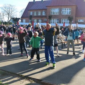 dzieci bawią się podczas festynu ekologicznego