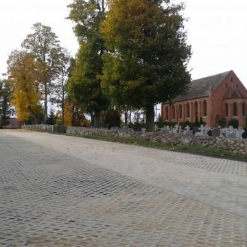 """zdjęcie zakończonej inwestycji """"Budowa parkingu przy kościele w Skórowie"""""""